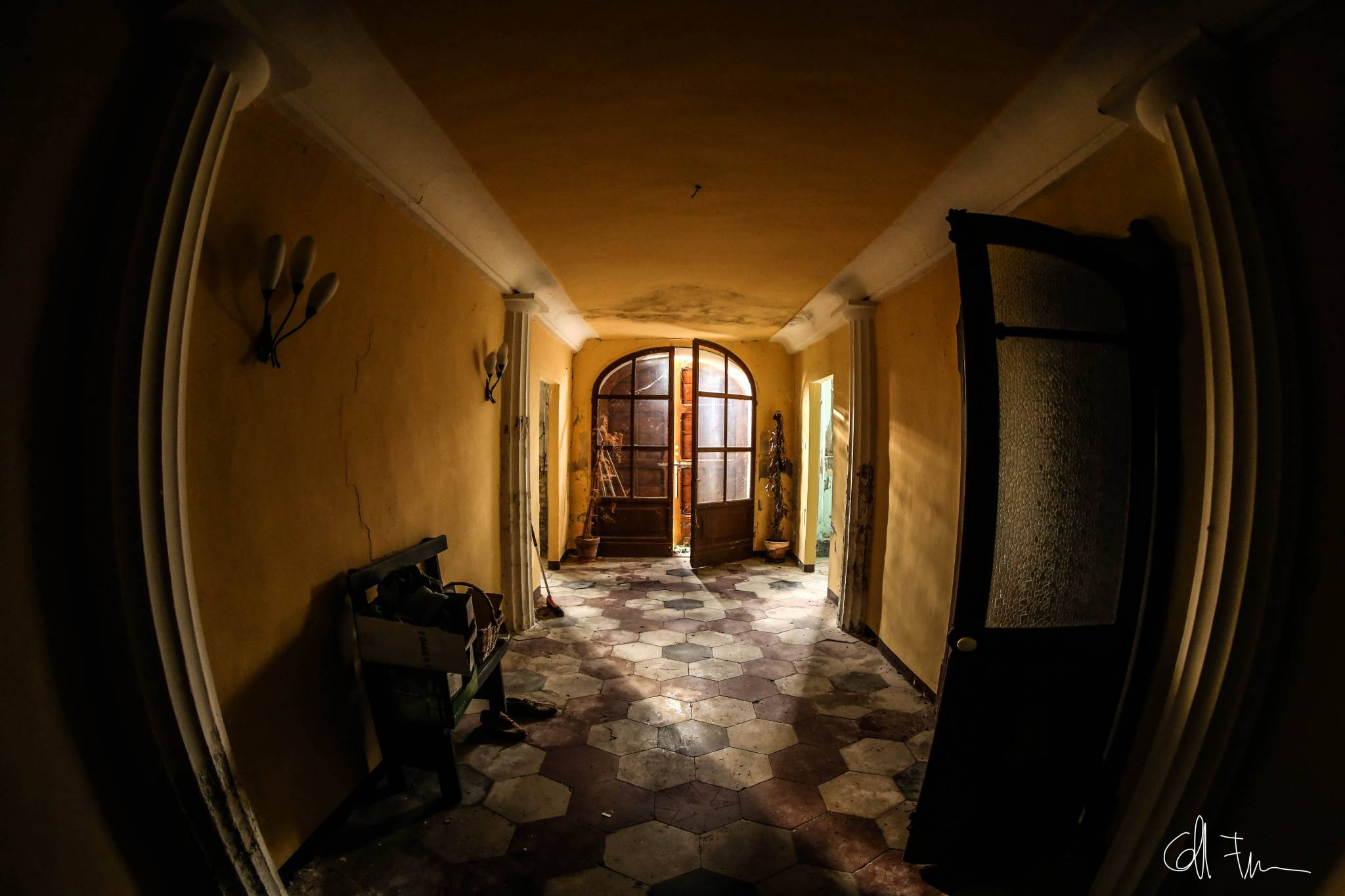 Fanum fortunae ascosi lasciti for Invertire piani di una casa di una storia e mezzo