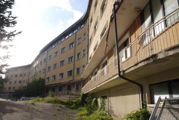 proprietà del terremoto - scuole abbandonate - urbex abruzzo - urbex italia