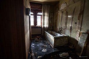 addio alla villa de lo baffò - urbex italia - urbex marche - ville abbandonate - edifici abbandonati