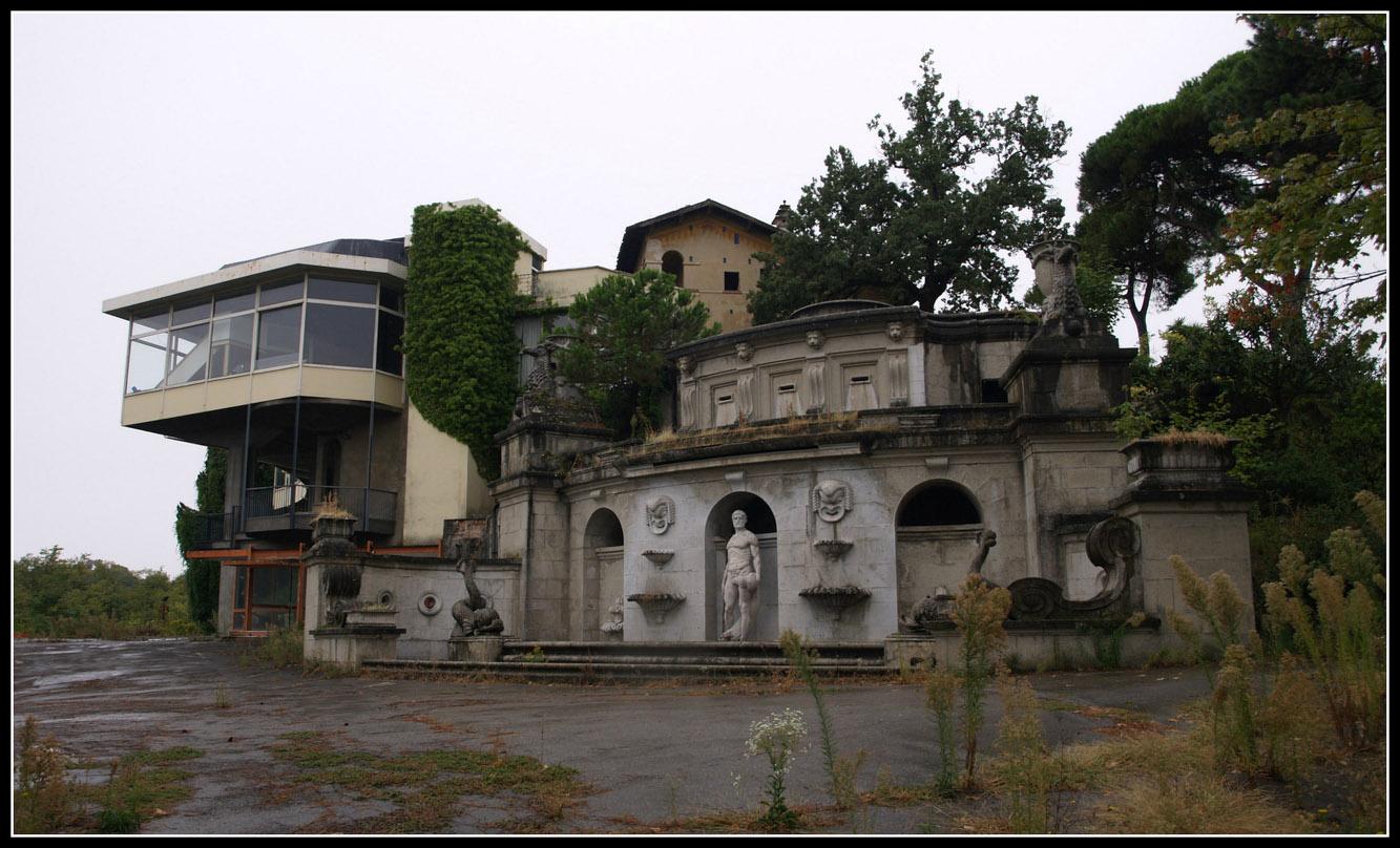 il tempio della notte - poggio diana - discoteche abbandonate - urbex italia - urbex emilia - edifici abbandonati