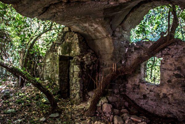 paese roggiano - urbex liguria - edifici abbandonati - paesi fantasma - urbex italia