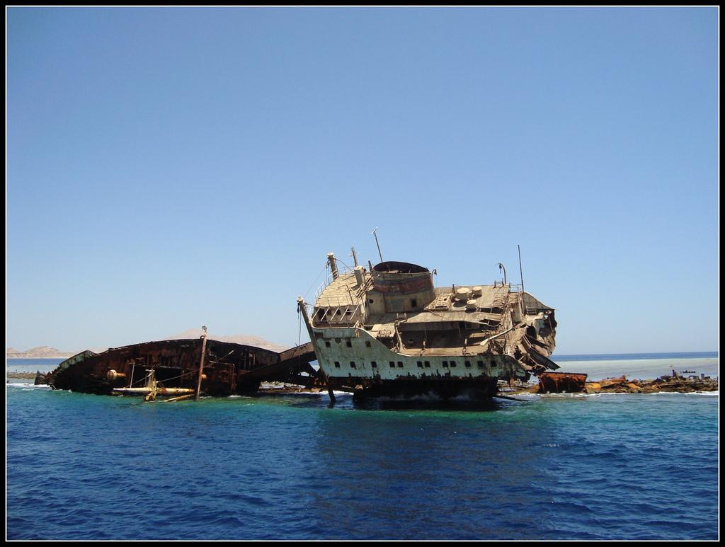 egypt-urbex-navi-abbandonate-la-nave-di-cristallo-1