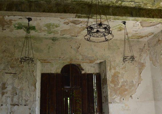 umbria-urbex-chiese-abbandonate-il-convento-in-blu-10