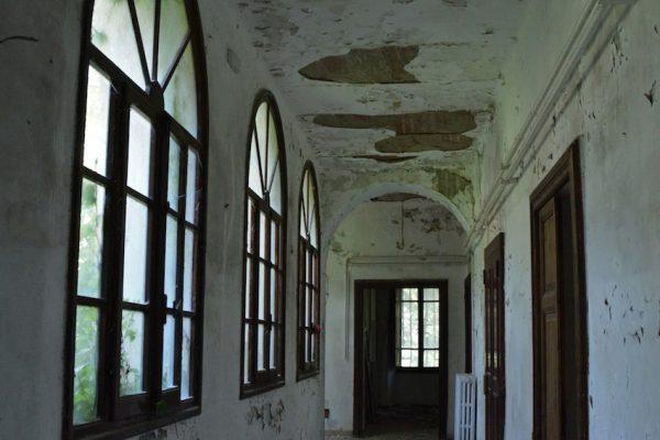 umbria-urbex-chiese-abbandonate-il-convento-in-blu-3
