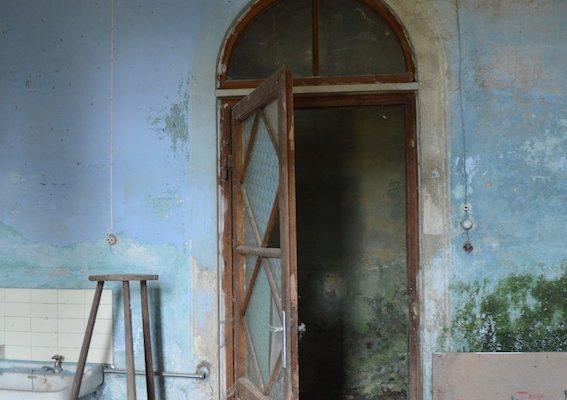 umbria-urbex-chiese-abbandonate-il-convento-in-blu-9