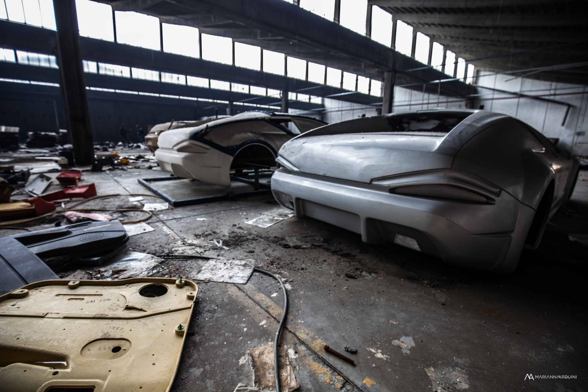 Demolizione dello stabilimento De Tomaso De-tomaso-veicoli-abbandonati-urbex-emilia-10