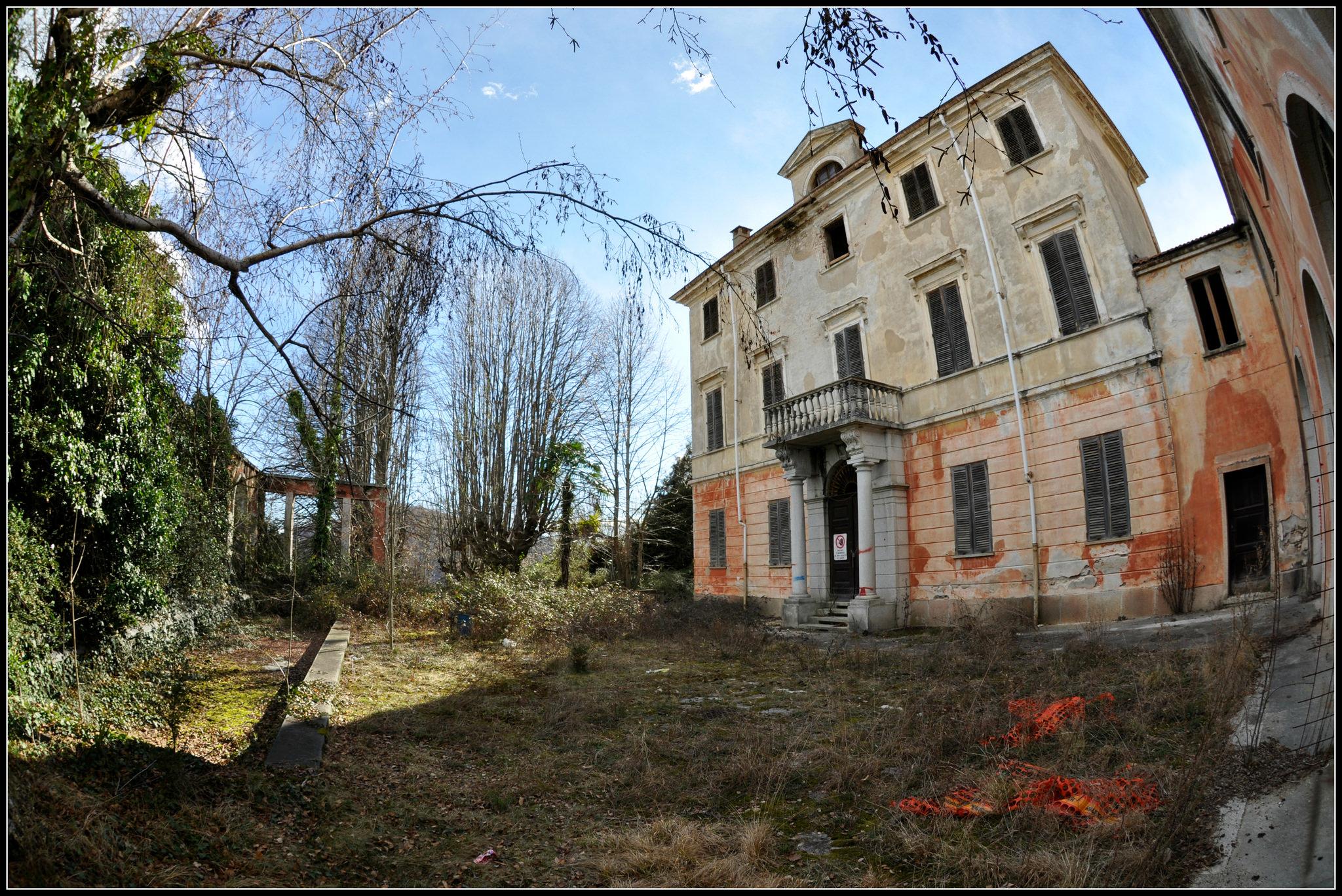 Onore e nobilt ascosi lasciti for Seminterrato di case abbandonate