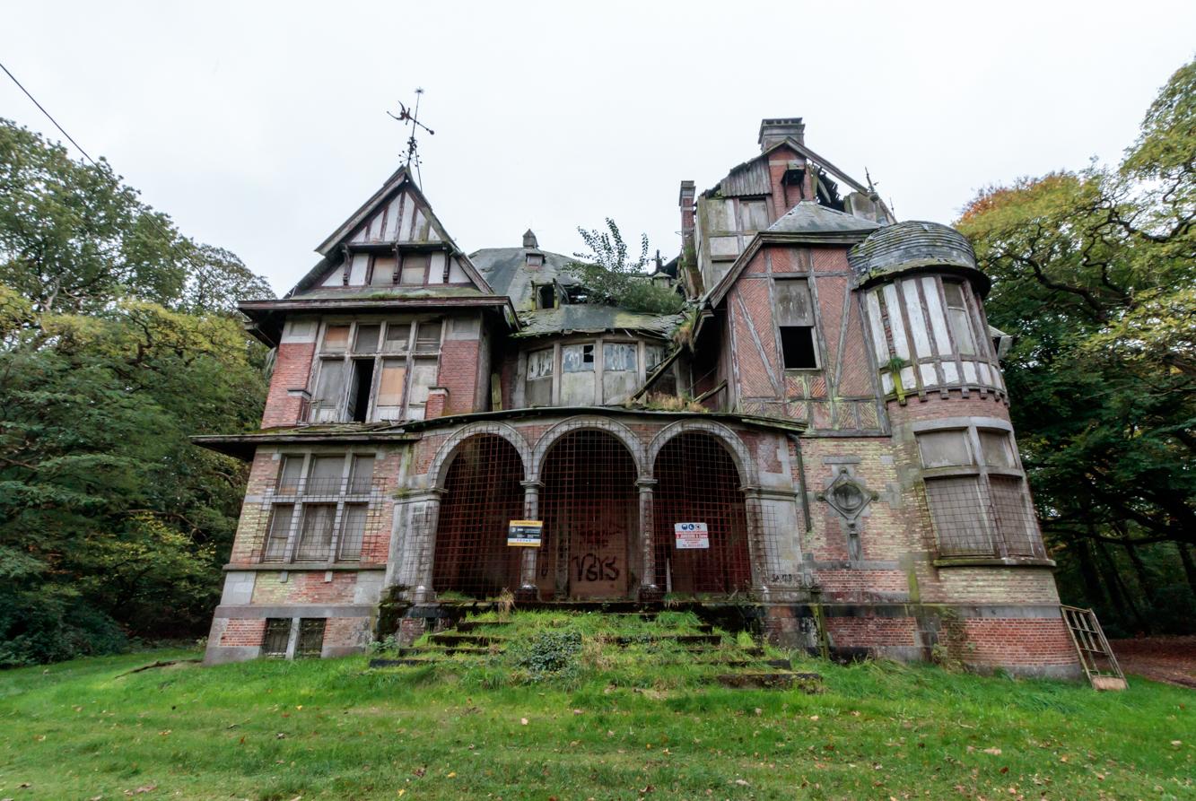 Il castello di nottebohm villa abbandonata belgio for Disegni casa castello
