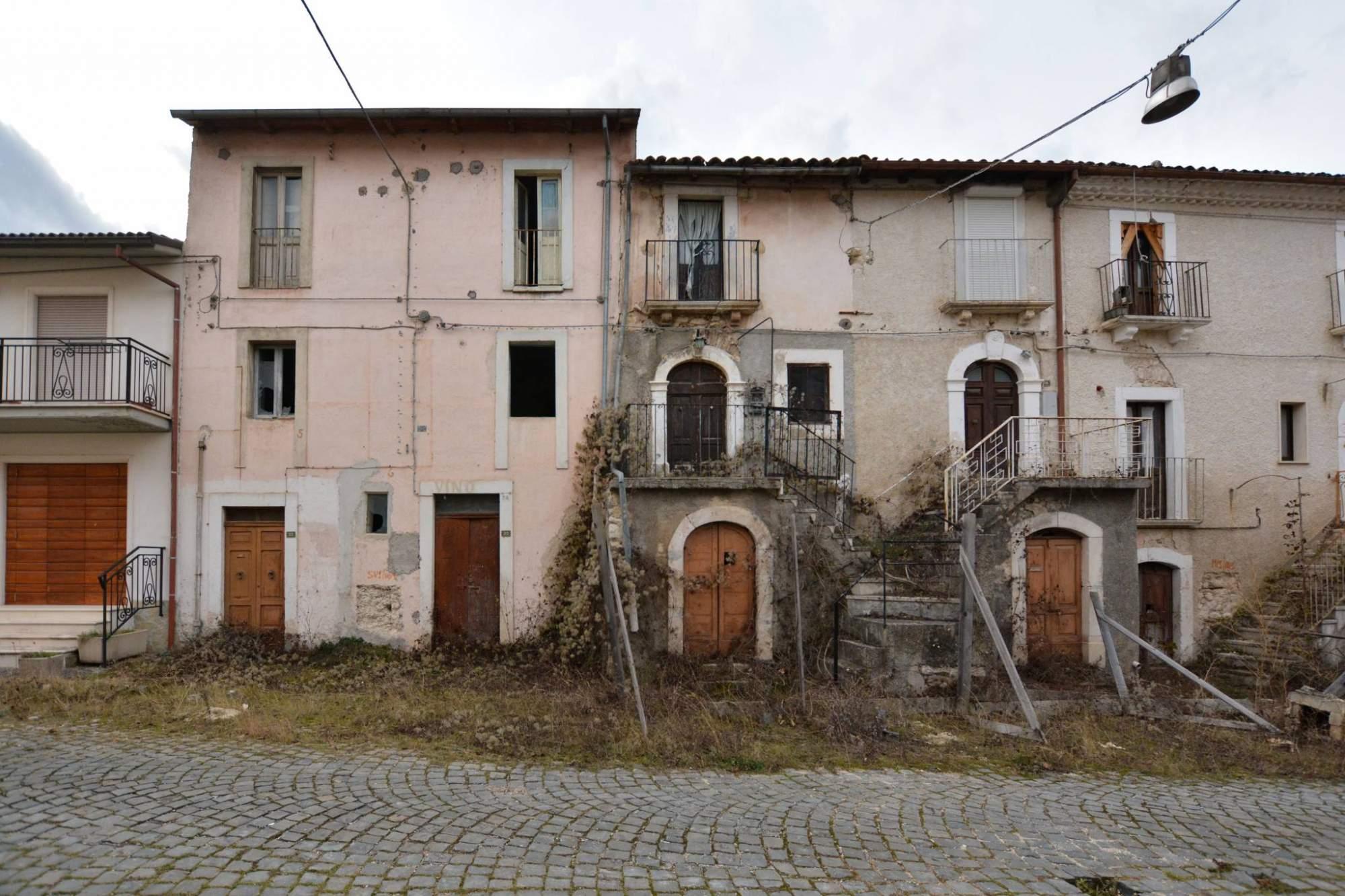 Un borgo colpito dal sisma