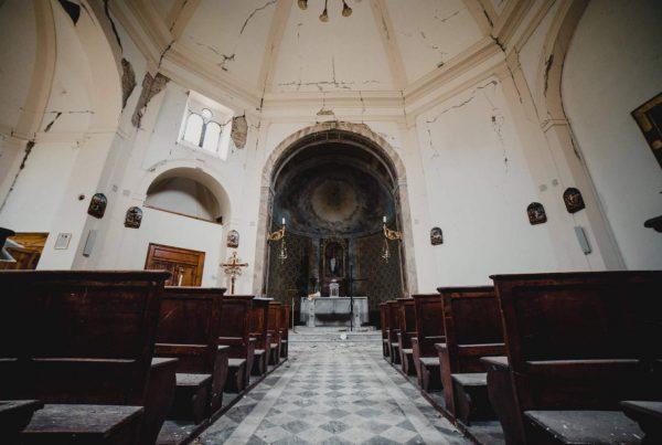 urbex marche - chiesa abbandonata terremoto - campana senza rintocchi