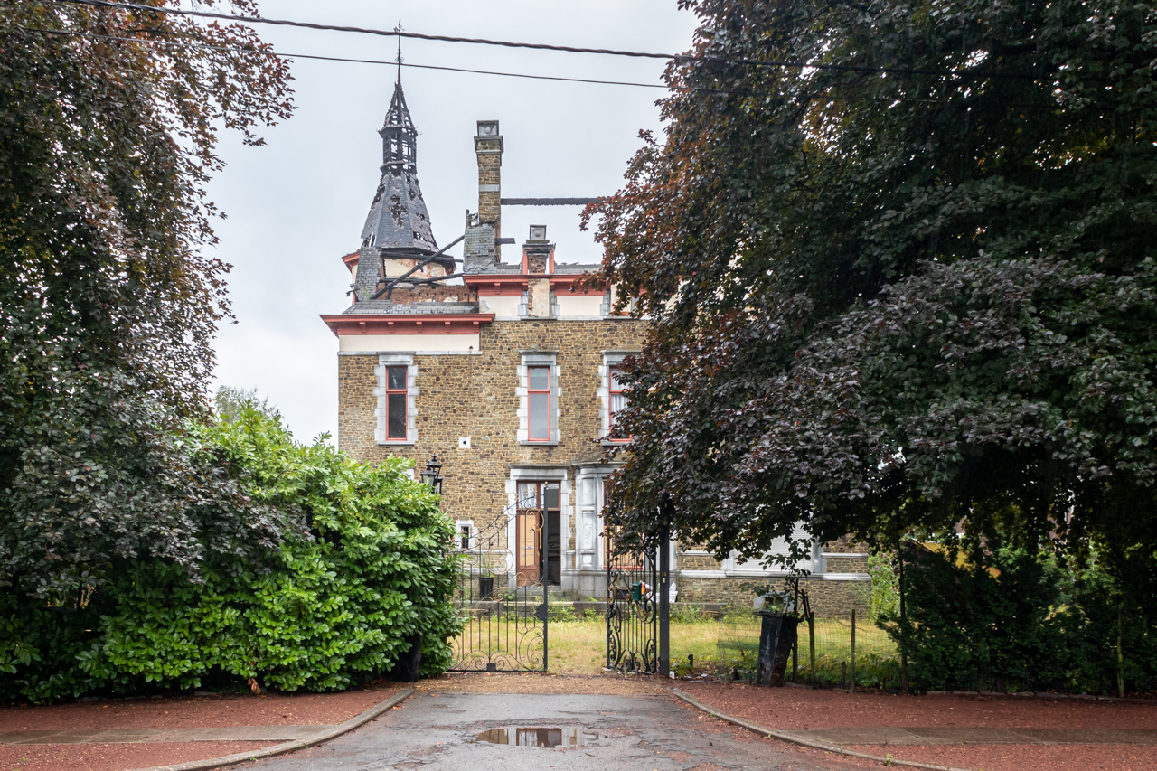Chateau Trinacria: bellezza andata in fumo
