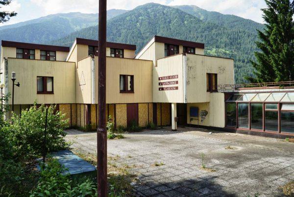 albergo abbandonato monti - ad un passo dal cielo - hotel abbandonati - alberghi decadenti - trentino alto adige urbex (19)