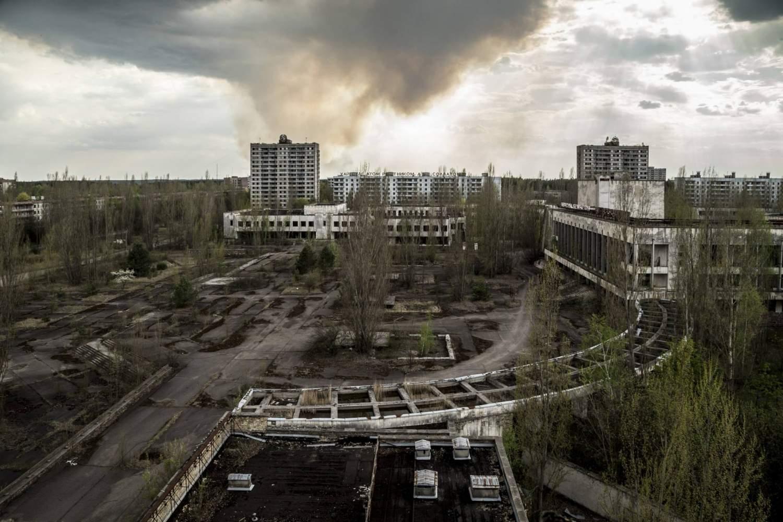 Chernobyl: la Foresta Rossa brucia